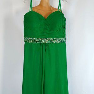 NWT Faviana A-line Formal Gown Style 9334 in Green